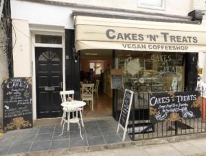 Cakes-N-Treats